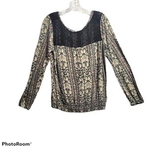 Sz L Maurices long sleeve Lace/Print Top